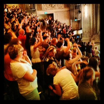 3000 people dancing Bollywood style, only at the world domination summit #wds2013